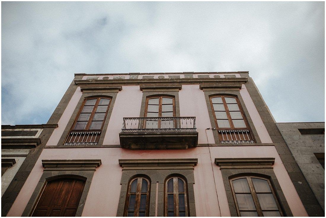 Die Außenfassade des Hotels auf Gran Canaria. Endlich angekommen